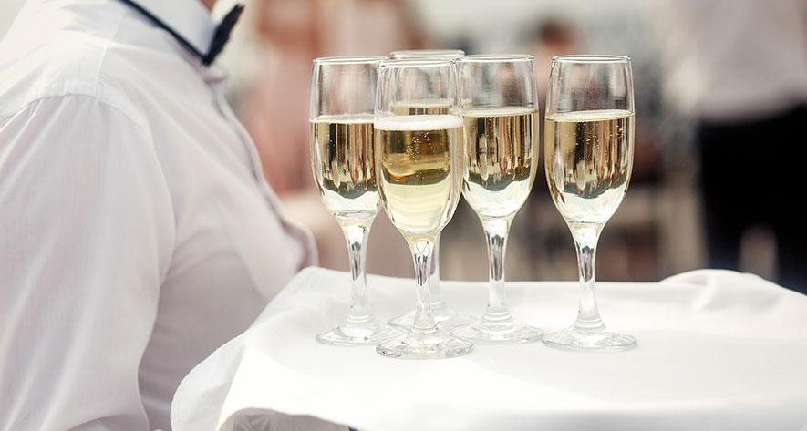 Ordet catering, dess böjning och dess uttal